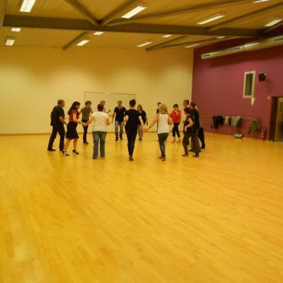 Salle de danse pechbonnieu petit
